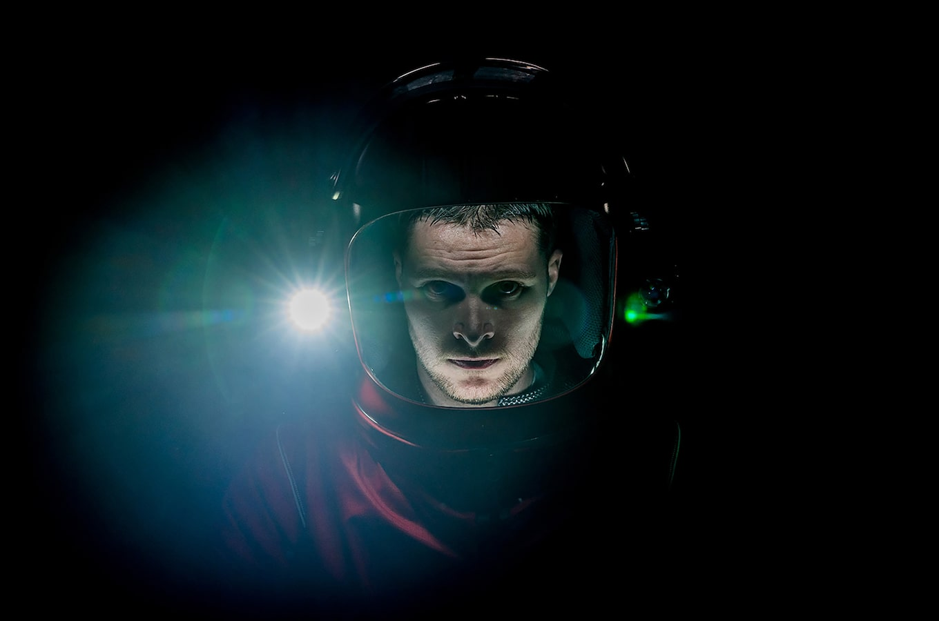 chris-raphael-sony-alpha-7RII-man-wearing-deep-sea-diver-helmet-impossible-planet
