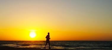 Imagen de una puesta de sol en el mar con suavizado 4K XR