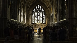 brent-kirkman-sony-alpha-9-couple-take-their-vows-in-large-ornate-church